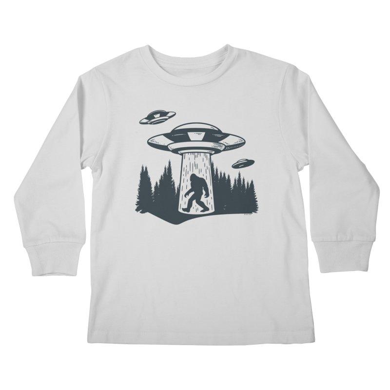 Alien UFO Abduction Of Bigfoot Kids Longsleeve T-Shirt by Toxic Onion