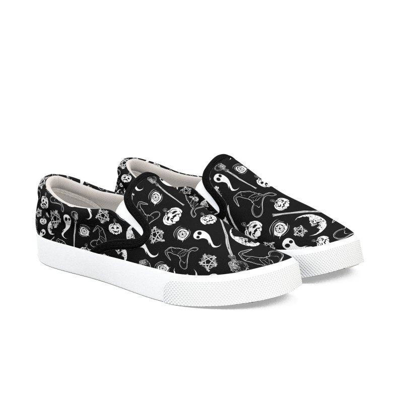 Creepy spooky Halloween pattern Men's Slip-On Shoes by von Kowen's Shop