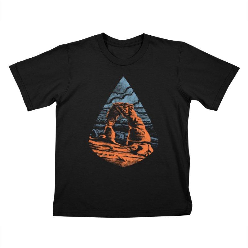 Delicate Arch Kids T-Shirt by Waynem