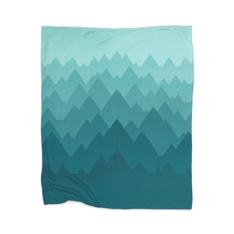 Mountain Vista: Green Home Blanket by Waynem