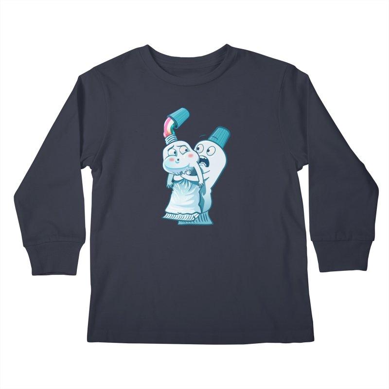 Heimlich maneuver Kids Longsleeve T-Shirt by
