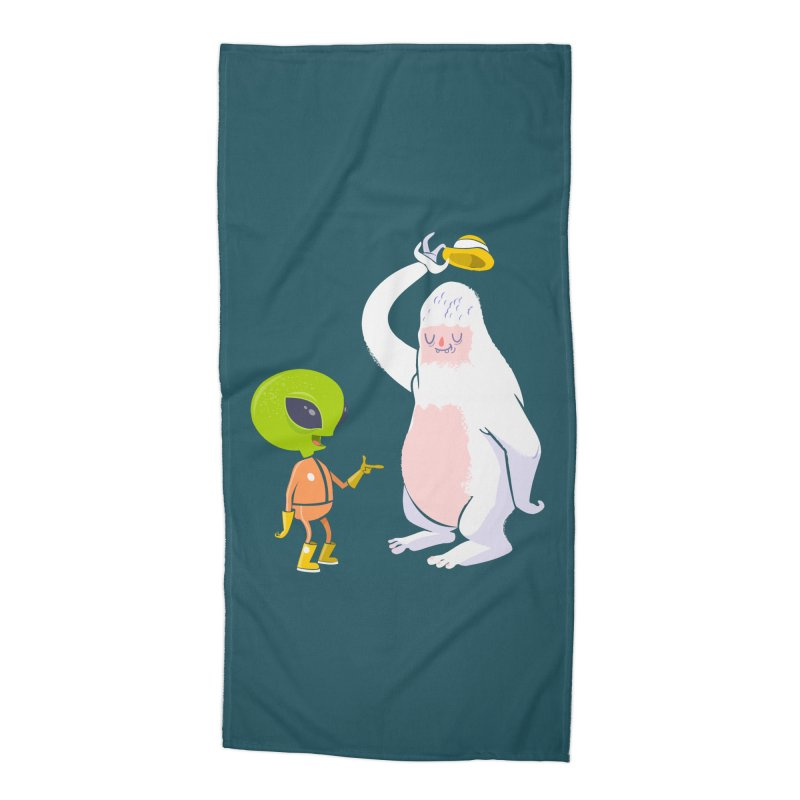The incredibles Accessories Beach Towel by