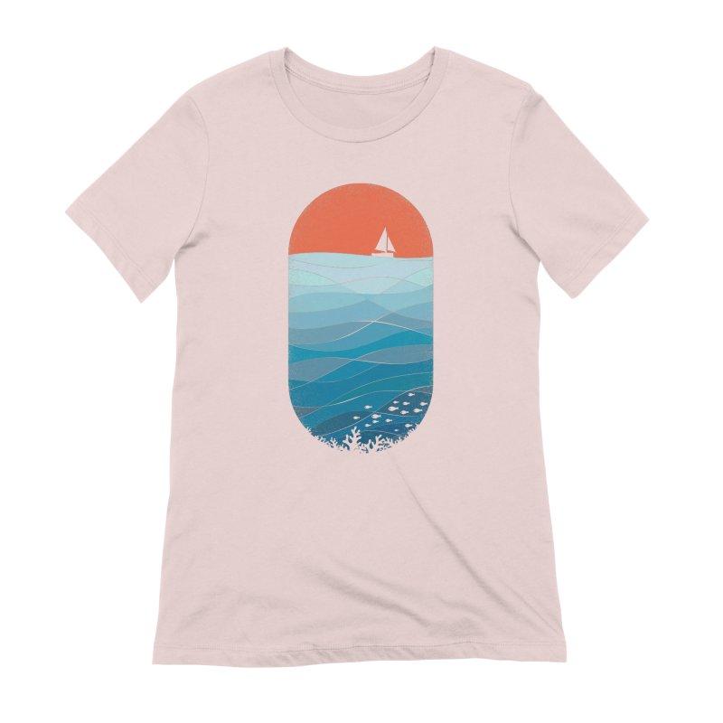 Le grand bleu (The big blue) Women's Extra Soft T-Shirt by YANMOS