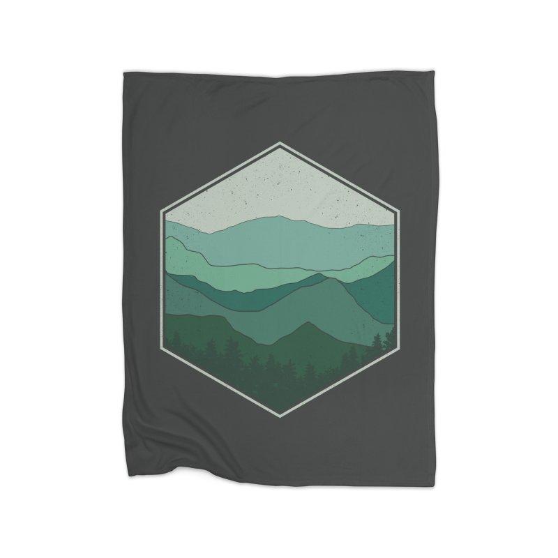 The horizon Home Fleece Blanket Blanket by YANMOS