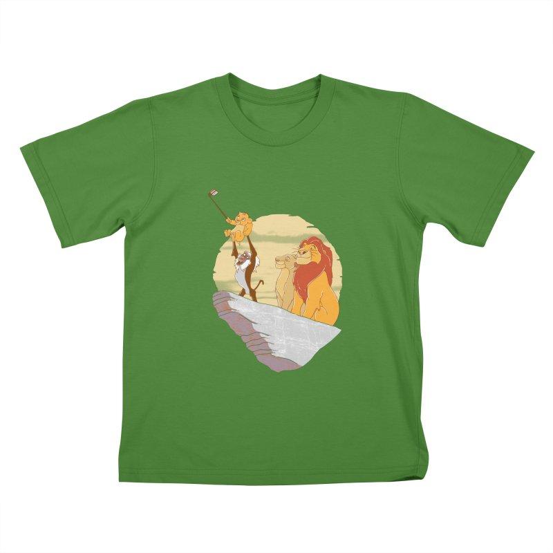 Pride Rock Selfie Kids T-shirt by yortsiraulo's Artist Shop